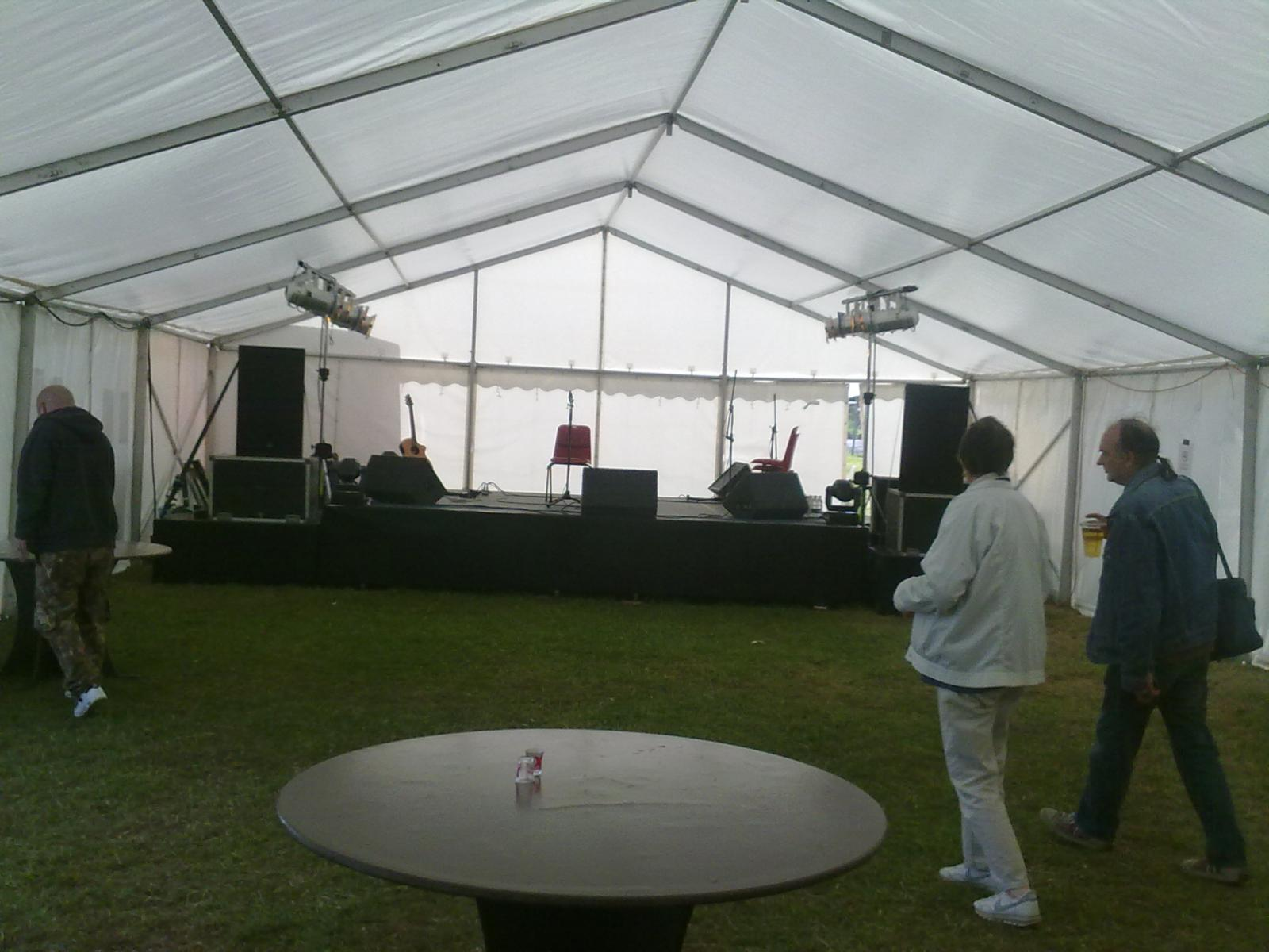 Acoustic Tent with bar!!