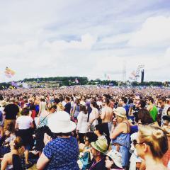 Vast crowd