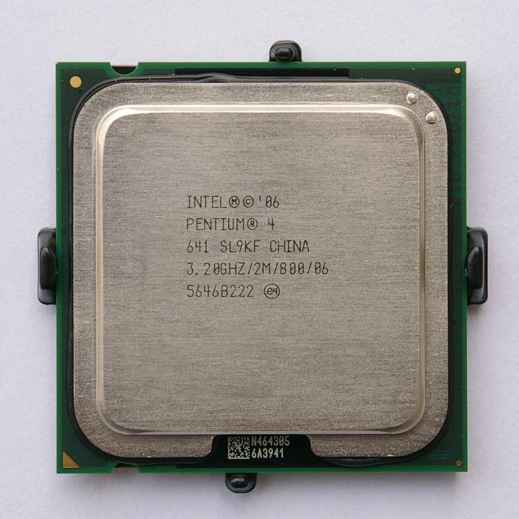 Intel_pentium_4_641_IMGP5032.jpg