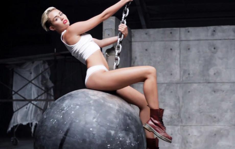 Miley.png.0cb4485a35f63ff1a27ab36739f90a56.png
