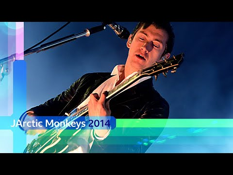 Arctic Monkeys - R U Mine? (Reading and Leeds 2014)