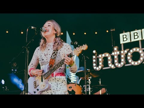 Lauran Hibberd - Call Shotgun (Glastonbury 2019)