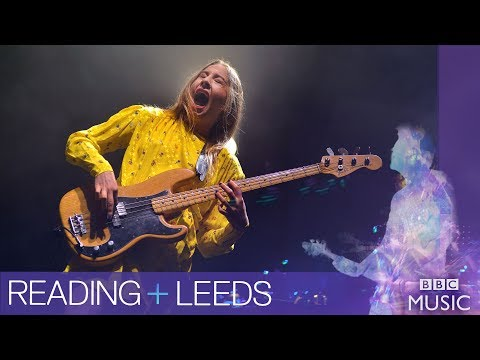 HAIM - Right Now (Reading + Leeds 2017)