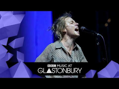 Pond - Paint Me Silver (Glastonbury 2019)