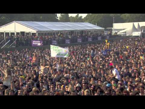 Ben Howard performs 'Wolves' at the Isle of Wight Festival 2013