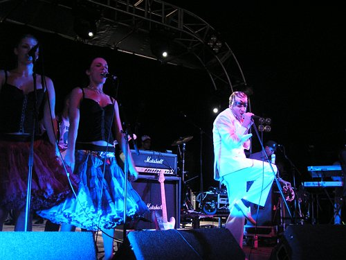 The Loose Cannons @ Reading Festival 2004