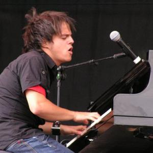 Jamie Cullum will be Van Morrison's guest at Glastonbury Extravaganza