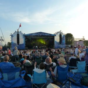 Emmylou Harris & Rodney Crowell, & Level 42 to headline Cropredy