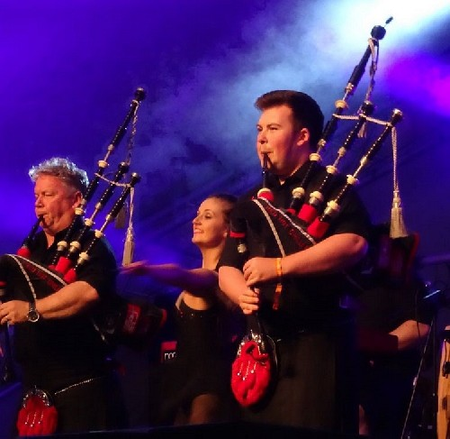 Red Hot Chilli Pipers @ Looe Music Festival 2015