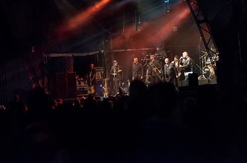 Ali Campbell and friends: Wychwood Music Festival 2015