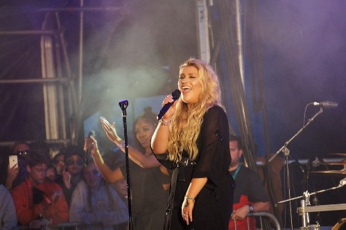 Ella Henderson @ The Big Feastival 2016