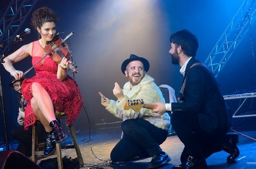 Holy Moly & the Crackers: Great British Folk Festival 2016