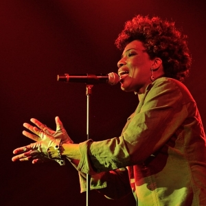 Macy Gray, and The Lighthouse Family join Lionel Richie at new York Festival